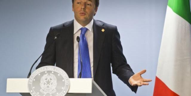 """Renzi a porta a porta: """"metterò un limite alla tasi, ci sarà una sola tassa sulla casa"""""""