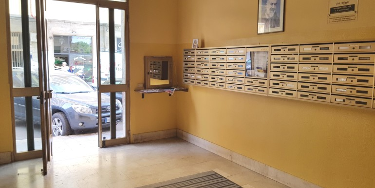 01 Entrata condominiale via Manzoni